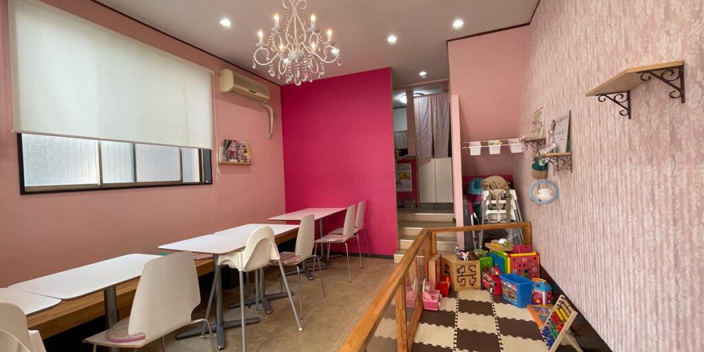 川崎市幸区の親子カフェ、幸盛HOUSEの店内イメージ画像です